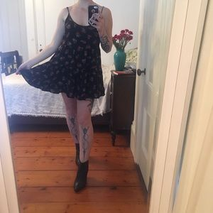Brandy Melville one size fits all Rose dress